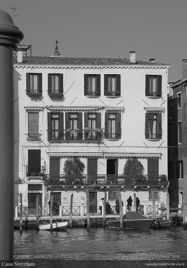 Canal grande di venezia catalogo illustrato casa stecchini for Piani casa sul tetto di bassa altezza